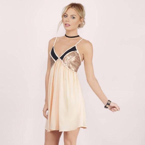 670fc5007a9a0 Leila Sequin Shift Dress. M_5aed2b125521bec8d8d1ea35